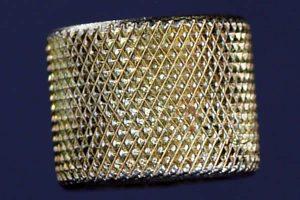 gold diamond knurl