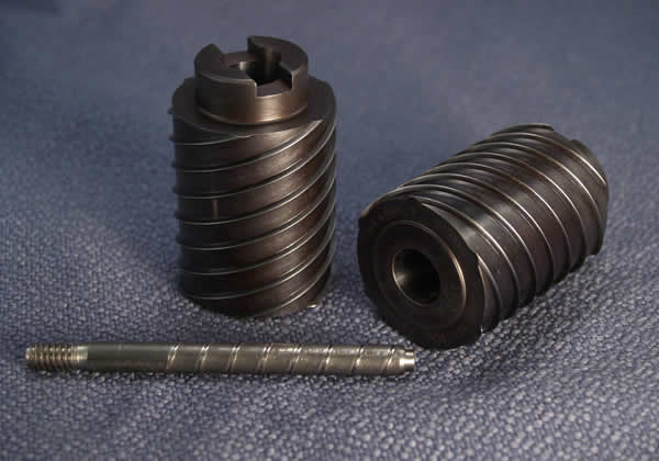 Salvo oil grooves and sample part